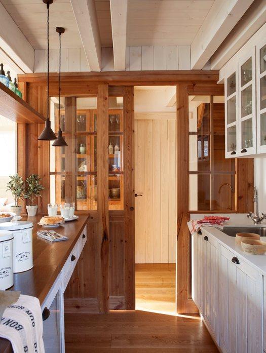 cocina_rustica_con_puerta_corredera_963x1280